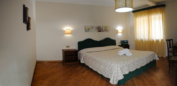 rooms-with-private-bathroom-in-agritourism-italy-umbria-perugia