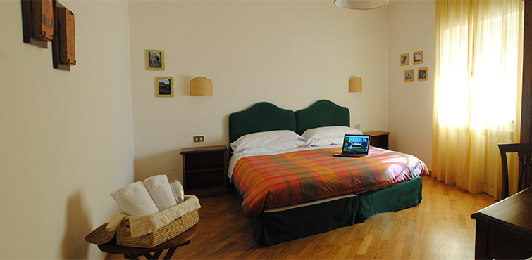 double-room-in-ancient-guest-house